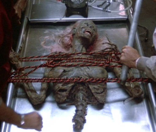 The Return of the Living Dead - Exposition Zombie